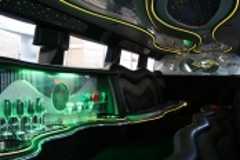 white-hummer-h2-limousine-interior2