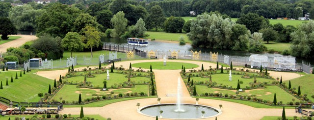 Formal Garden, Hampton Court Palace, Surrey